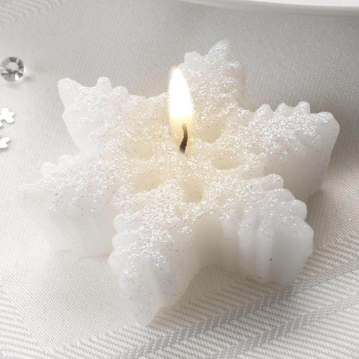 Image of Snowflake Candle